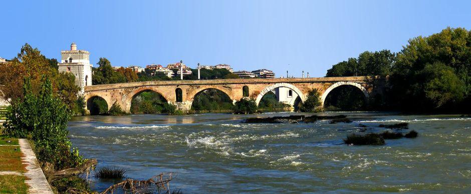 1280px-Ponte_Milvio-side_view-antmoose.jpg
