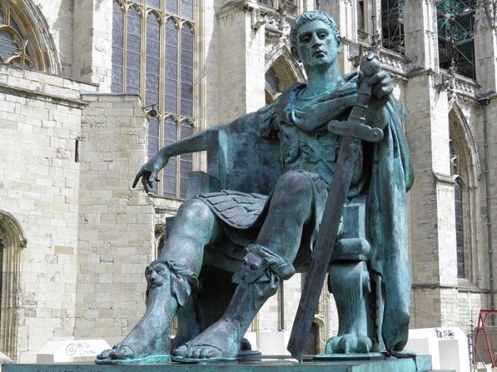 Constantine_the_Great_Statue_in_York,_commissioned_in_1998_and_sculptured_by_Philip_Jackson,_Eboracum,_York,_England_(7643906080).jpg