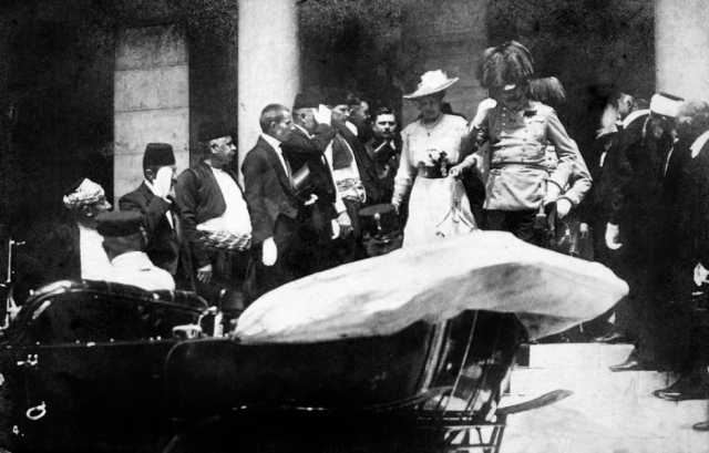 an introduction to the history of archduke franz ferdinand Introduction ↑ franz ferdinand, archduke of austria-este's (1863-1914) life has been largely overshadowed by his assassination in sarajevo on 28 june 1914 this is unfortunate, because from personal and political perspectives it sheds important light on the habsburg monarchy, whose throne he was to inherit, as well as on the origins of world war i.