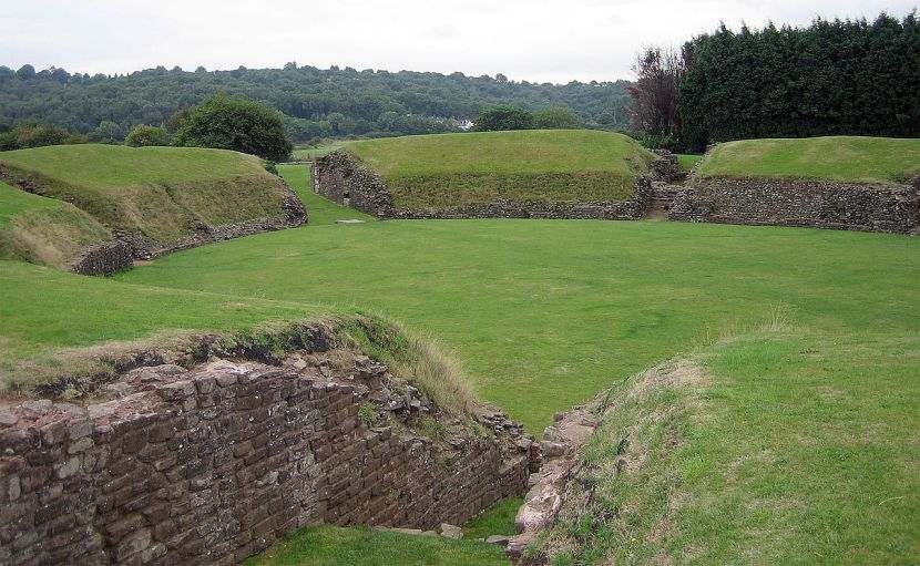 Caerleon_-_johnelamper_-_X