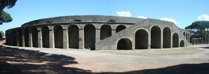 Amphitheatre_in_Pompeji