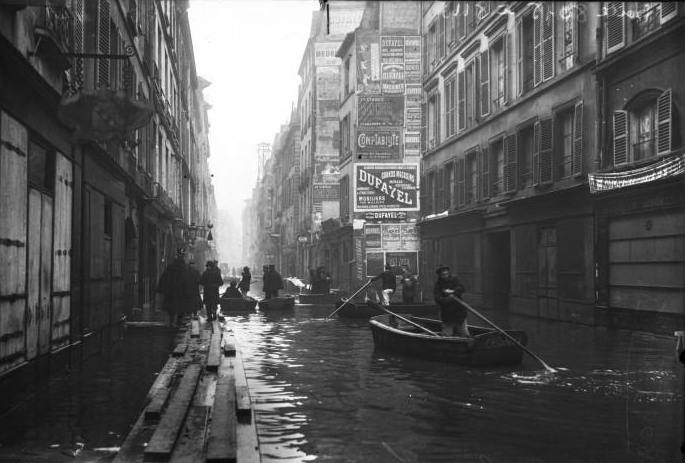 the 1910 great flood of paris rearview mirror