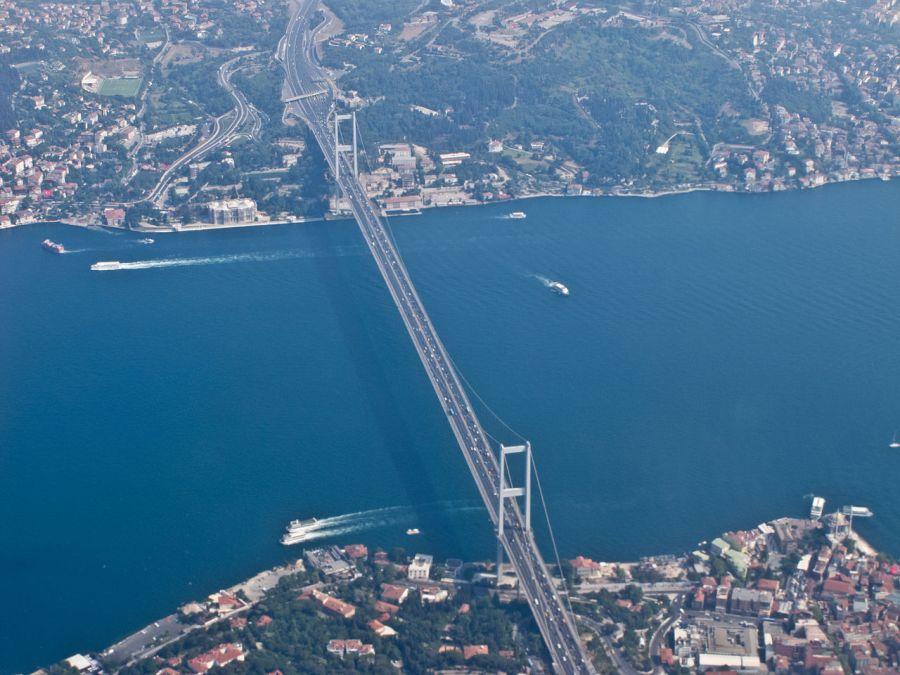 1280px-Boğaziçi_Köprüsü_-_Aerial_view