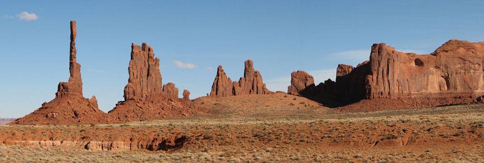 1280px-Monument_Valley_10.jpg