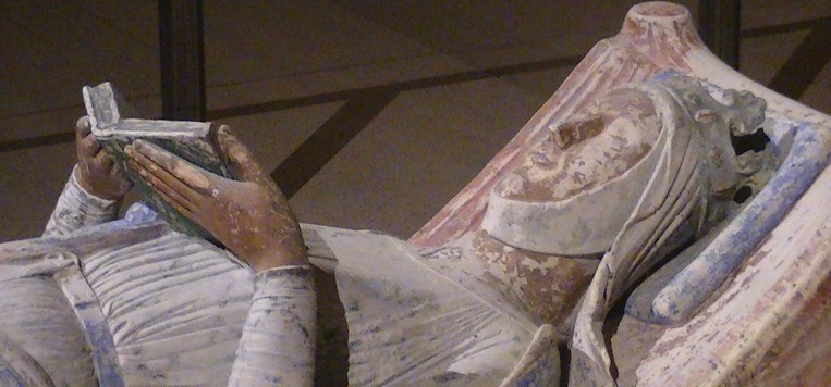 1280px-Church_of_Fontevraud_Abbey_Eleanor_of_Aquitaine_effigy (1)