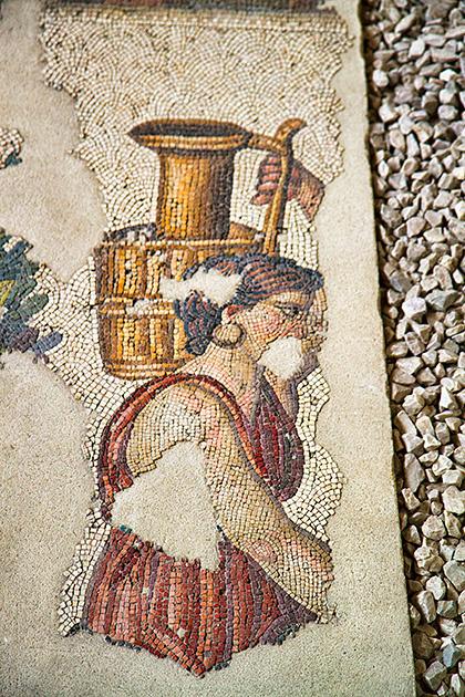 water-woman-moscaic1.jpg