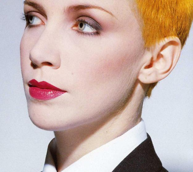 1983-annie-lennox-eurythmics-sweet-dreams-are-made-of-this-d181121-1.jpg