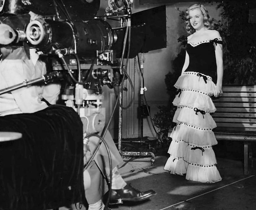 Marilyn_Monroe_1947.jpg